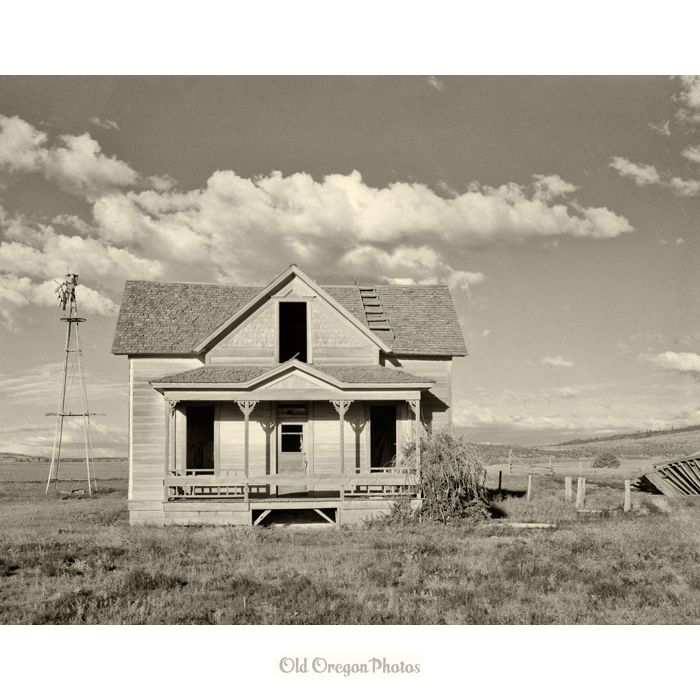 An Abandoned Farmhouse In Central Oregon